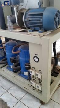 Chiller de 120 mil k.cal / h condensação a água
